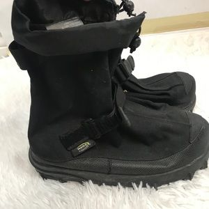 NEOS Men's Black Voyager Stabilicer Overshoes